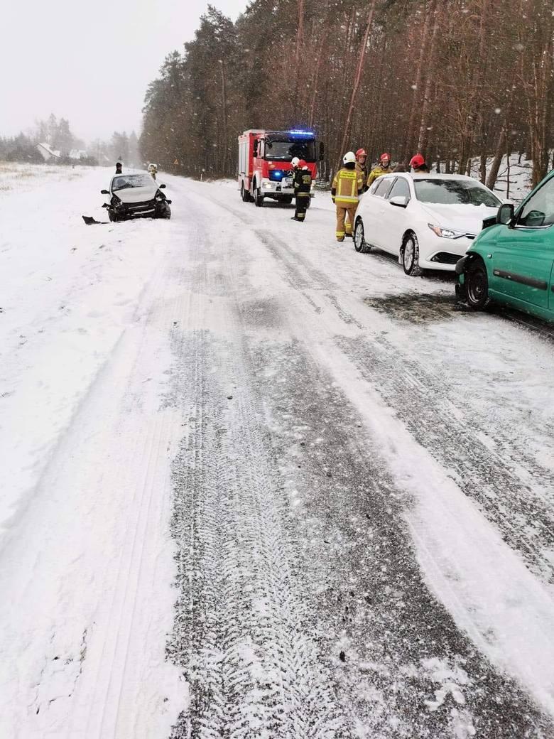 Czołowe zderzenie aut pod Stargardem. Nietrzeźwy stracił kontrolę nad kierownicą
