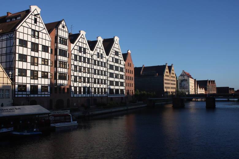 Gdańsk ŚródmieścieChoć Gdańsk Śródmieście to prestiżowa dzielnica, mieszkania tutaj nie cieszą się aż takim powodzeniem. W rankingu śródmieście Gdańska
