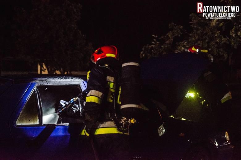 Ełk. Pożar samochodu przy ul. Targowej [ZDJĘCIA]