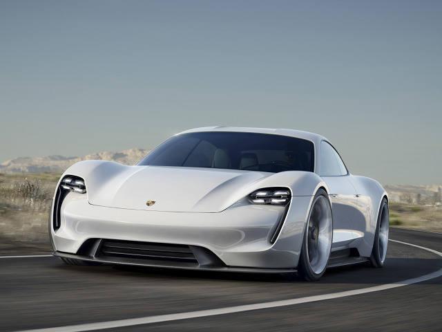 (mm) (aip)Porsche zapowiada, że model elektryczny powstanie jeszcze przed końcem obecnej dekady. Dostanie oznaczenie J1.Podczas  targów we Frankfurcie