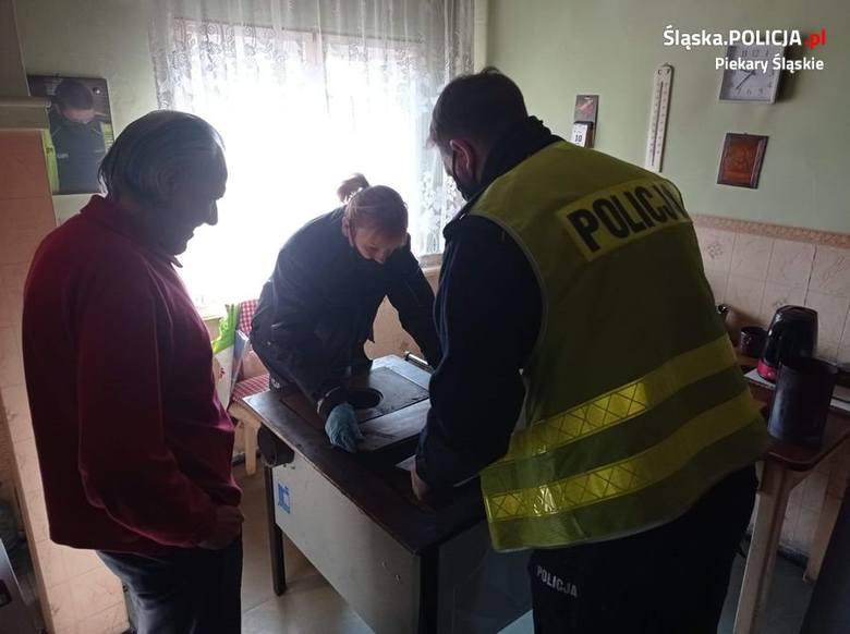 Policjantka z Piekar Śląskich pomogła seniorowi - mieszkaniec otrzymał nowy piec kuchenny. Zobacz kolejne zdjęcia. Przesuwaj zdjęcia w prawo - naciśnij