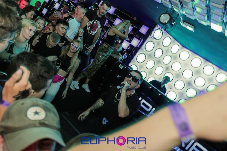 Zobaczcie zdjęcia z ostatniego koncertu, Mr. Polska zamykającego sezon w Euphoria Club Łeba. Zapraszamy do galerii.