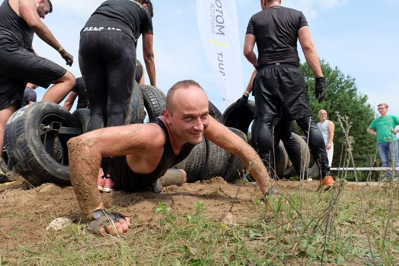 Prawie 700 osób zmagało się z przeszkodami na Hero Run 2019 w Ogrodniczkach