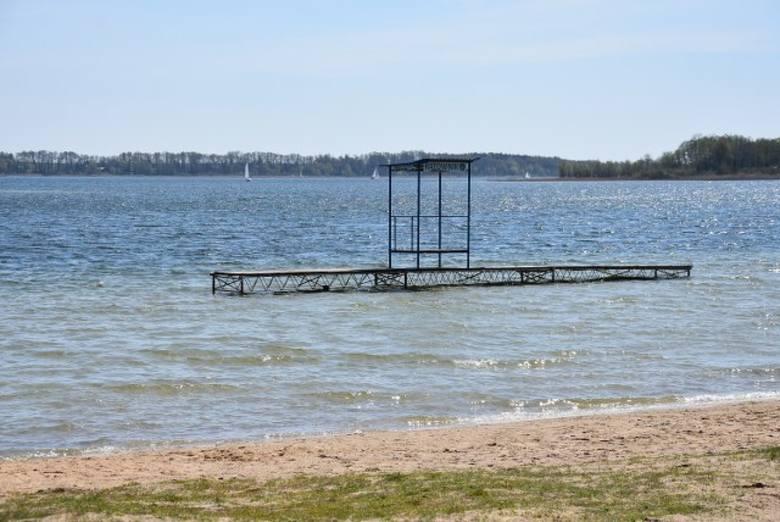 Ośrodki nad Jeziorem Powidzkim przygotowują się do przyjęcia turystów. Ale wszystko wskazuje na to, że nie będzie w tym roku pomostów.