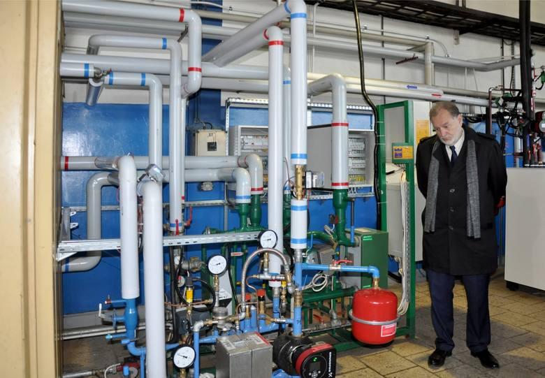 Miejskiemu Przedsiębiorstwu Energetyki Cieplnej w Krakowie uruchamia kolejne projekty rozbudowy sieci także w gminach poza miastem. Na zdjęciu przepompownia