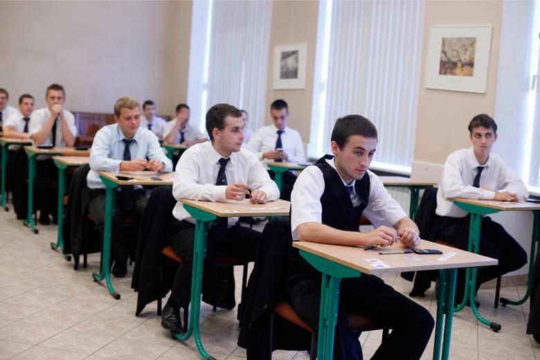 Egzamin zawodowy 2019 - część pisemna. Arkusze, klucz odpowiedzi, wyniki egzaminu zawodowego