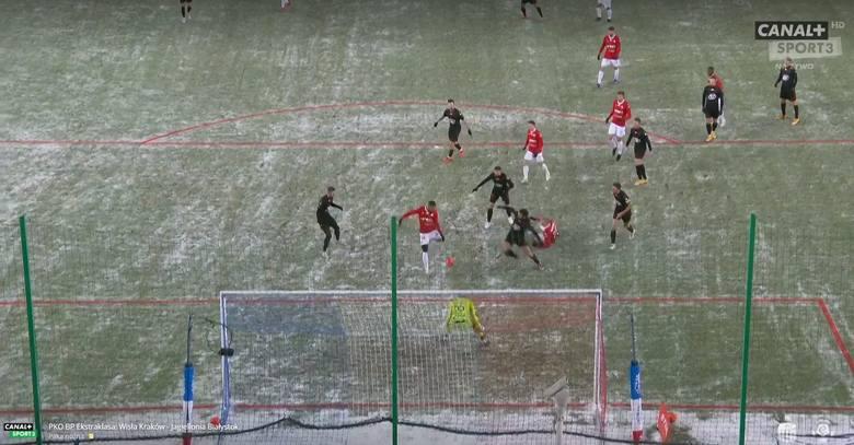 Warunki do gry podczas meczu w Krakowie