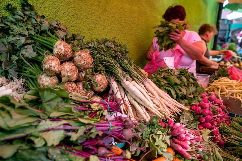 Astronomiczne ceny warzyw - świąteczna sałatka będzie droga. Zobacz, które warzywa podrożały najbardziej