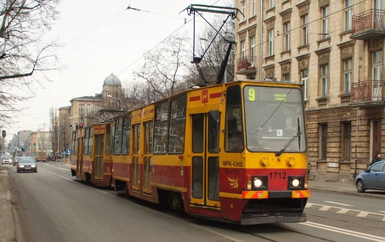 Jest szansa na to, że zaczniemy jeździć nowszymi tramwajami. Tylko dlaczego tak długo musimy na to czekać?