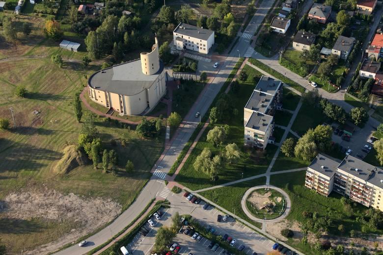 Kościół pw. św. Stanisława na Dańdówce wybudowano w latach 1981-1987.