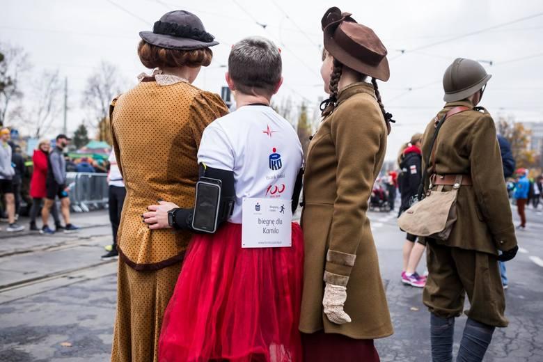Bieg Niepodległości 2019 Warszawa WYNIKI ZDJĘCIA UCZESTNIKÓW Arkadiusz Gardzielewski najszybszy, biegacze uczcili rocznicę