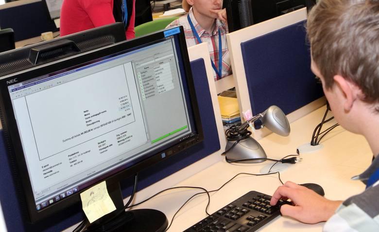 """Badanie """"Barometr zawodów"""" potwierdziło też duże zapotrzebowanie na specjalistów w branży informatycznej."""