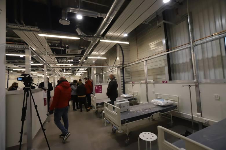 Oficjalne oddanie do użytku szpitala covidowego na lotnisku w Pyrzowicach w listopadzie 2020