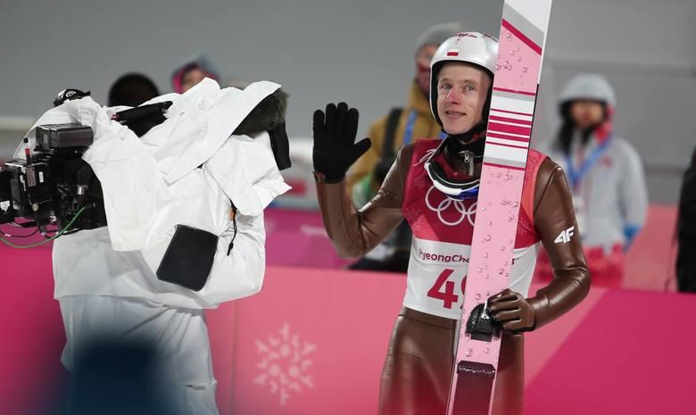Dawid Kubacki skoczył podczas kwalifikacji 104,5 metra.