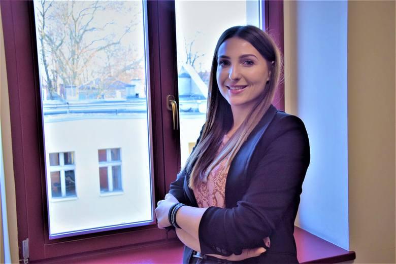 Aleksandra Mospan-Ustyniak jest psychologiem, na co dzień pracuje w Zielonej Górze.