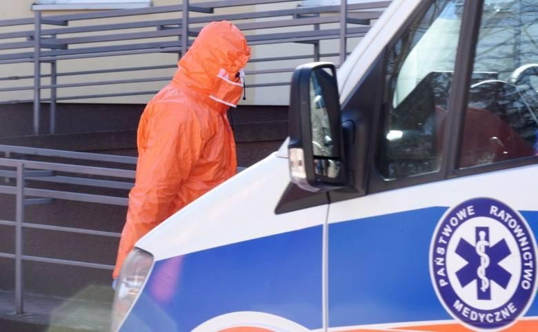 Ministerstwo Zdrowia poinformowała w czwartek rano, 16 lipca, że w związku z COVID-19 zmarło w Polsce od początku pandemii 1.605 osób.