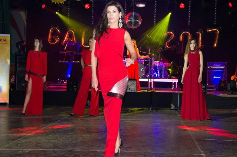 Najpiękniejsze Opolanki na czele z organizatorką konkursu Miss Opolszczyzny Anną Pabiś wzięły udział w akcji charytatywnej dla dwóch ciężko chorych mieszkańców