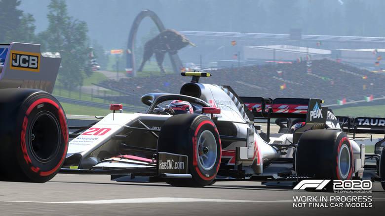 Kolejna odsłona serii gier wyścigowych na licencji Formuły 1. W tej odsłonie nie jest zapowiadana rewolucja. Jak zwykle, możemy wcielić się w jednego