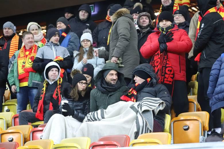W piątek na Stadionie Miejskim w Białymstoku Jagiellonia grała ligowy mecz z Arką. To był bardzo mroźny wieczór. Termometry pokazywały nawet 16 stopni