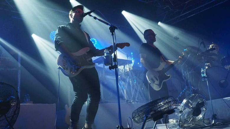 W piątkowy wieczór w Event Center G38 w Koszalinie wystąpił zespół Happysad. Zobaczcie zdjęcia z koncertu!Zobacz także Another Pink Floyd Tribute Band