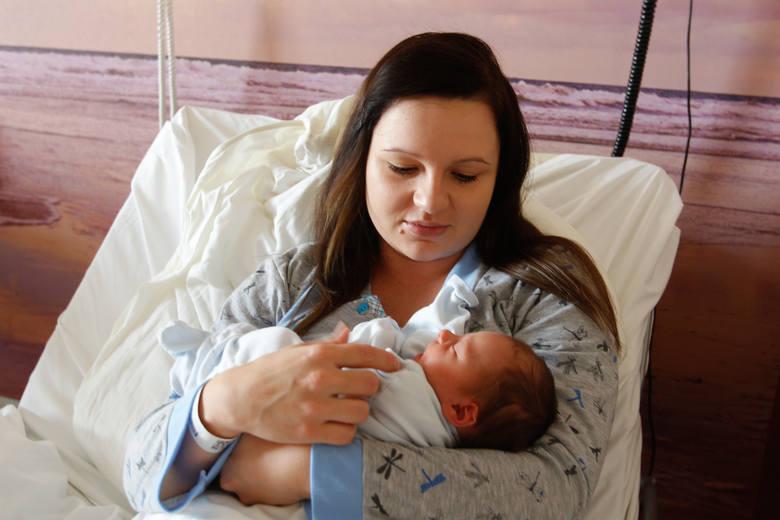 W rzeszowskim szpitalu Pro-Familia urodził się Alan, synek Kingi Żurek. - Nasz maluszek urodził się podczas porodu rodzinnego. Niesamowite przeżycie