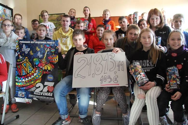 W Tuchomiu w czasie Wielkiej Orkiestry Świątecznej Pomocy zebrano 21 813,11 zł. Finał odbył się w ośrodku kultury, szkole oraz przed urzędem gminy. Były