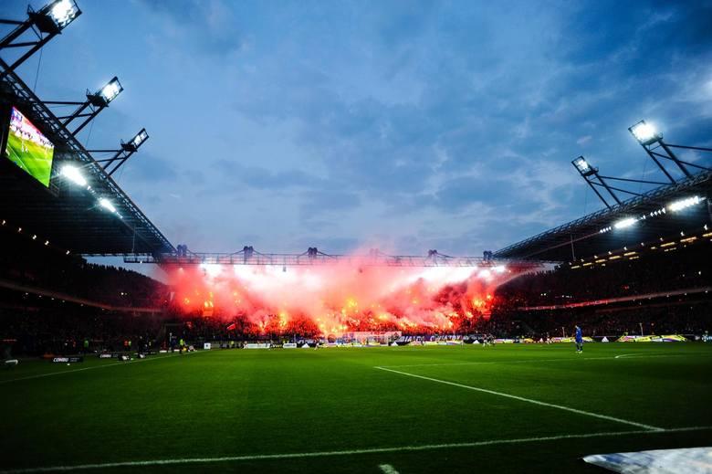 Nie Legia Warszawa, nie Lech Poznań, ani tym bardziej prowadząca w tabeli Lechia Gdańsk. W ostatnim czasie największą widownię jest w stanie zgromadzić