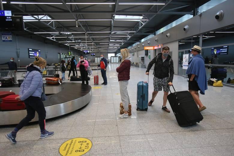 W pierwszym kwartale 2021 roku, ponad 13 tys pasażerów wylatujących w Polski ucierpiało wskutek długich opóźnień i odwołań lotów.