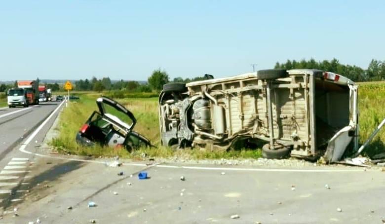 W poniedziałek o godz. 11.20 dyspozytornia medyczna w Przemyślu otrzymała zgłoszenie o zdarzeniu drogowym na obwodnicy Oleszyc w pow. lubaczowskim.-