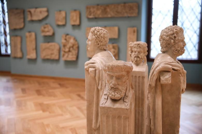 Otwarte muzea i galerie sztuki w reżimie 1 os. na 15 metrów kwadratowych.----->