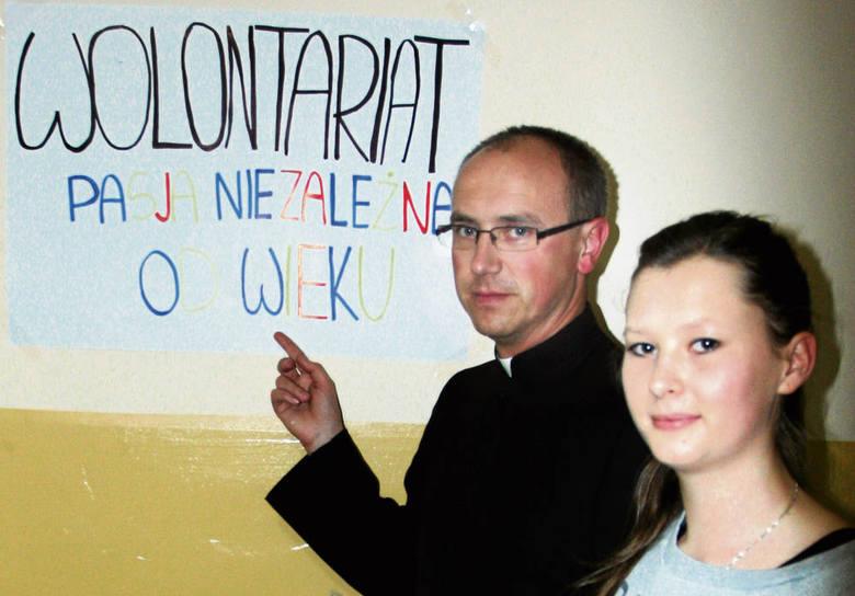 Sylwia Marczyk i ks. Paweł Gruszka ze Starego Sącza