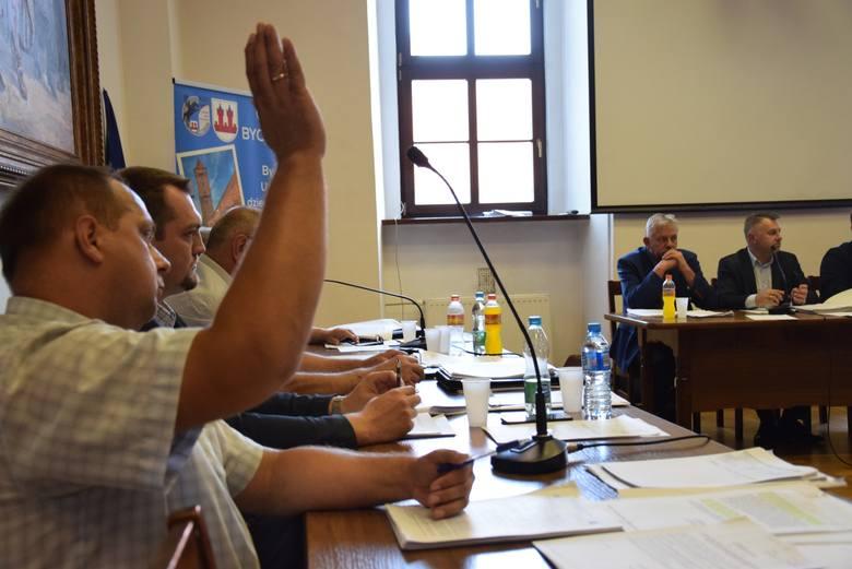 Burzliwa sesja rady miejskiej w Byczynie.