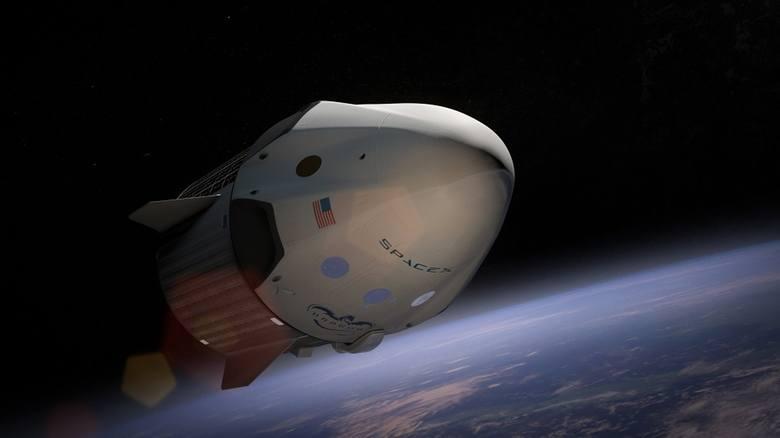 Satelity Starlink są wynoszone w przestrzeń kosmiczną przez rakiety Falcon-9.