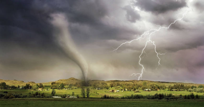 Burze, tornada, cyklony. Najbardziej fotogeniczne zjawiska atmosferyczne - zdjęcia i filmy