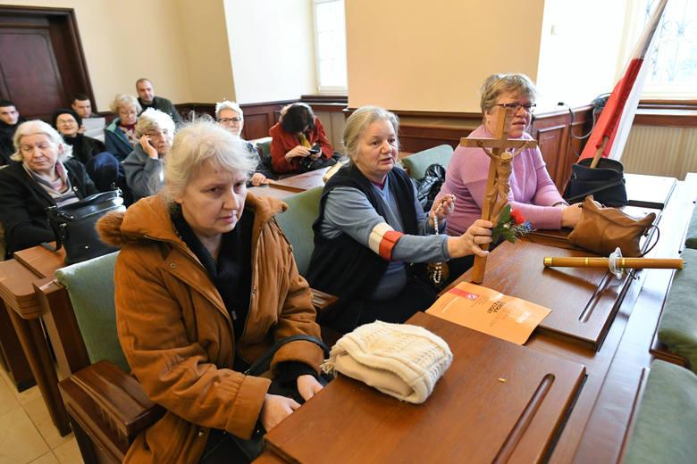 Przed wtorkową sesją skrzynki mailowe poznańskich radnych zostały zapchane mailami z apelem, aby nie przyjmować Europejskiej Karty Równości Kobiet i