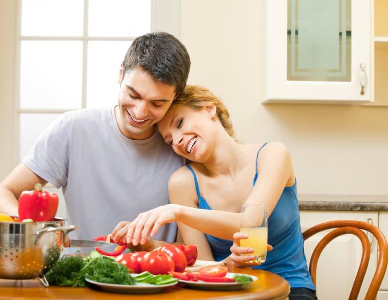 Chcesz podkręcić temperaturę w sypialni wykwintnym posiłkiem? Świetnie, bo mamy dla Ciebie propozycję produktów, dzięki którym zwiększysz apetyt swój