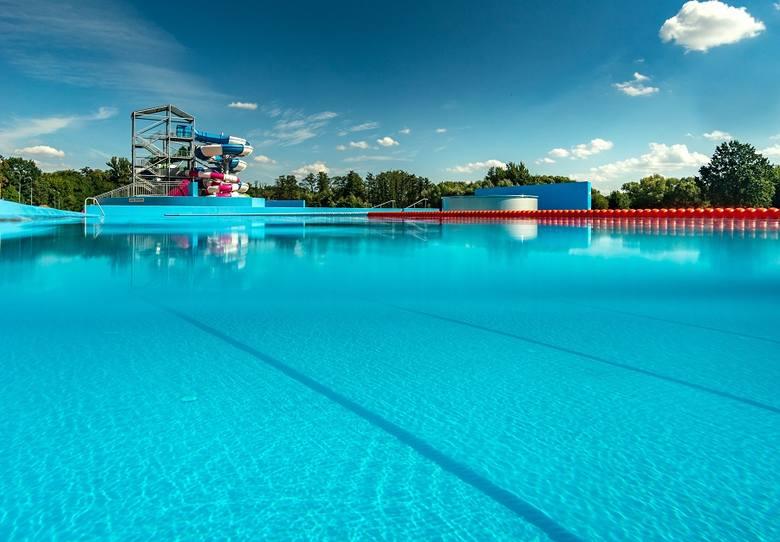 Nowy basen w Nysie został otwarty w piątek (27 lipca) o godzinie 11.00.