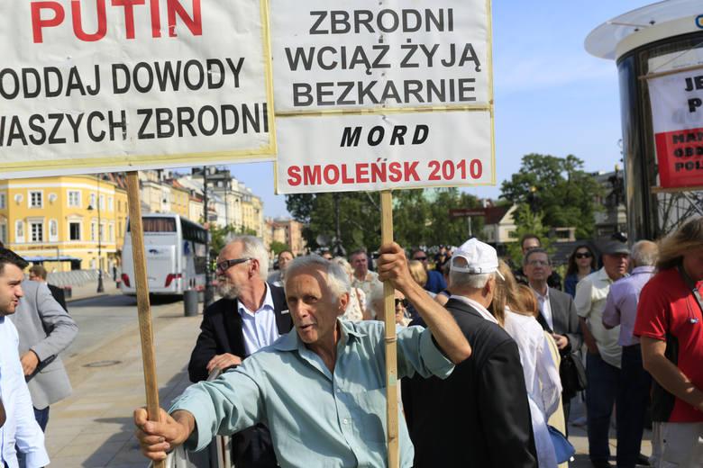 - Działalność wszystkich grup podnoszących spiskowe teorie smoleńskie jest na rękę Rosji. Antoni Macierewicz przyznał, że on sam nie wierzy w zamach,