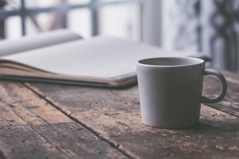 Pijecie kawę na co dzień? Nie wyobrażacie sobie poranków bez małej czarnej? Zobaczcie przedstawiciele, jakich zawodów piją najwięcej kawy. Zobaczcie