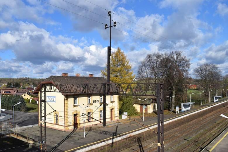 """Od połowy grudnia z Biecza ruszy """"półbezpośrednie"""" połączenie do stacji Berlin Charlottenburg. Będzie to prawdziwy kolejowy przekładaniec"""