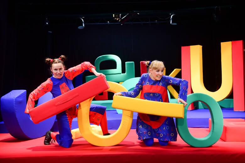 Praca w teatrze lalek, kontakt z najmłodszą widownią to wieczna młodość
