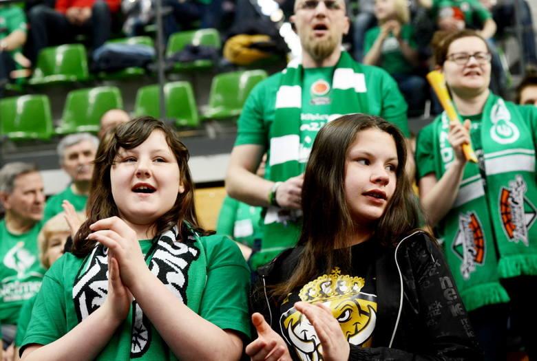 To nie był dobry dzień dla zielonogórskiego klubu. Koszykarze Stelmetu Enei BC Zielona Góra na własnym parkiecie przegrali ze znacznie niżej notowaną