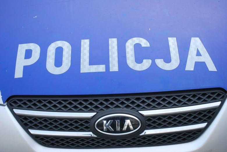 Wypadek w Knapach. 56-letni mężczyzna został potrącony przez samochód