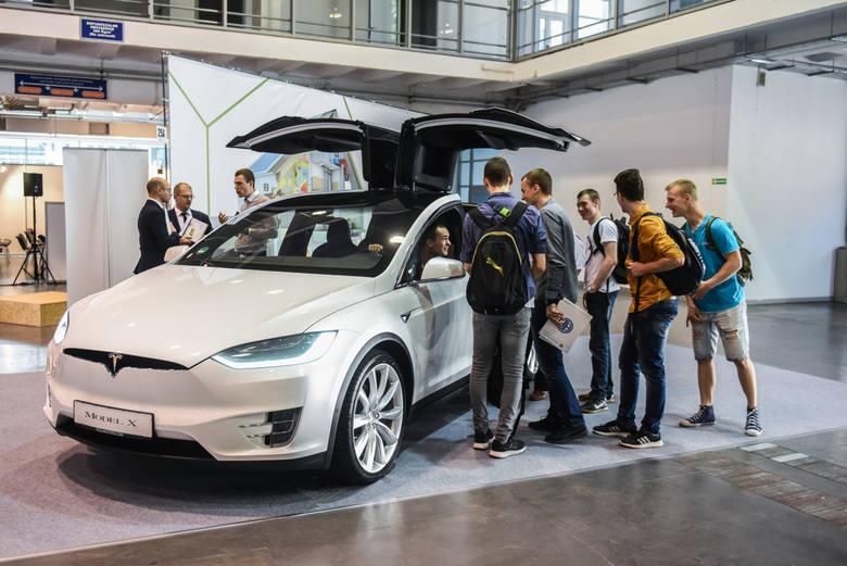 Nowy sposób na fiskusa: zamiast służbowego auta, firma da ci abonament na samochód