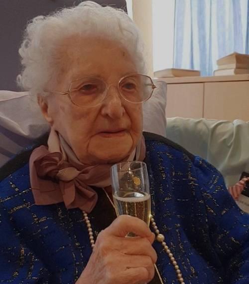 10. Valentine Ligny, Francjaur. 22 października 1906 r. (114 lat)Valentine Ligny urodziła się w Avion w Pas-de-Calais 22 października 1906 roku. Pracowała