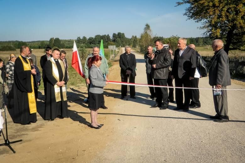 W obu przypadkach środki finansowe pochodzą z budżetu gminy.  W chwili obecnej droga do wsi Bieńdziuga stanowi najkrótsze połączenie dla mieszkańców