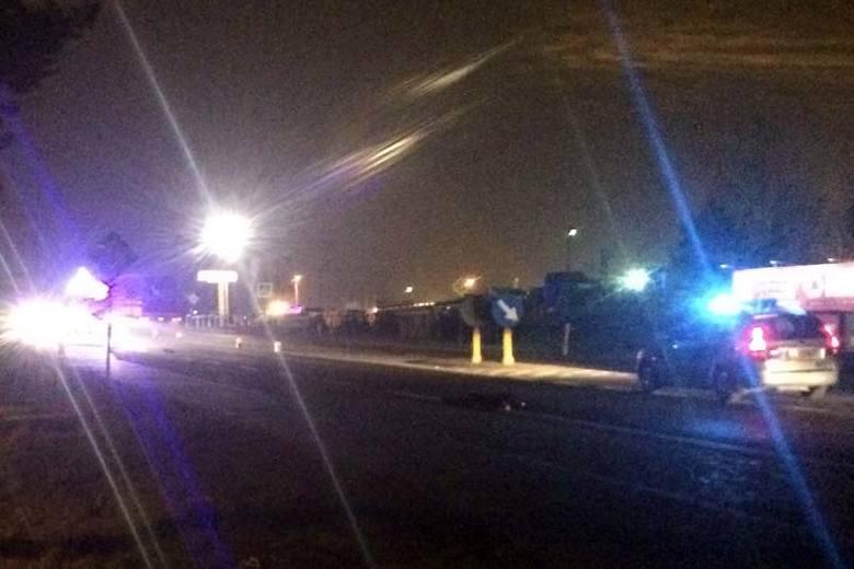 Zaścianki: Wypadek śmiertelny. Toyota potrąciła kobietę. Sprawcy uciekli, ale wkrótce wpadli (zdjęcia)