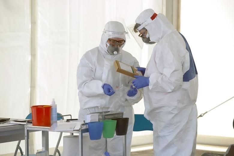Powiat krakowski. Znów wzrasta liczba chorych. Siedem nowych przypadków w pięciu gminach i jedna osoba zmarła