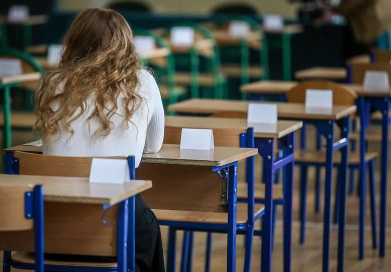 W Śląskiem aż 3,5 tys. osób nie dostało się do wybranych szkół i zostało bez placówek. Co teraz?