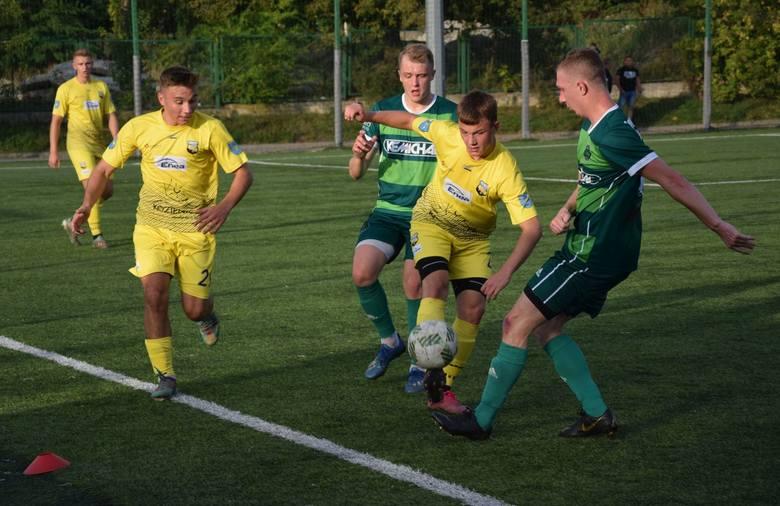 Remisem 1:1 zakończyło się starcie w ramach 7. kolejki Tymex Ligi Okręgowej, w którym Centrum Radom mierzyło się na własnym boisku z Enea Energią Kozienice.